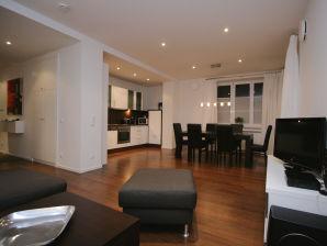 Ferienwohnung Am Kurpark - Wohnung 2 - 90 qm