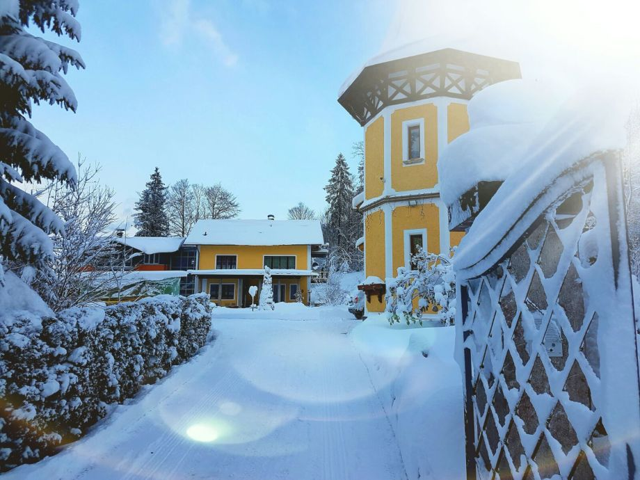 Winterbild Haus Herzogenberg