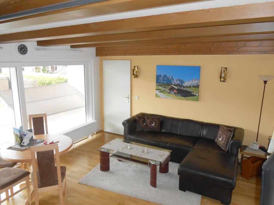 Wohnzimmer mit edler Couch