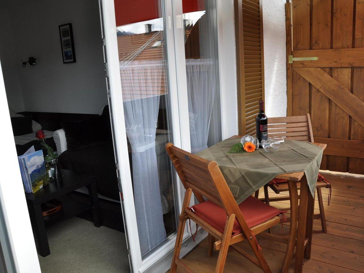ferienwohnung haus erli wohnung erli 3 zugspitz region alpenwelt karwendel mittenwald firma. Black Bedroom Furniture Sets. Home Design Ideas
