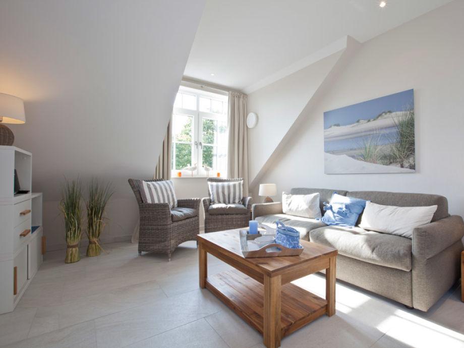 Gemütliches und sehr modern eingerichtetes Wohnzimmer