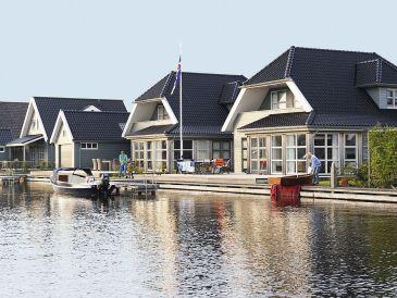 Villa 'Goudplevier' im Luxus Villenpark Sneekermeer