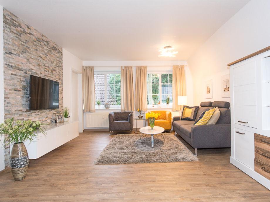 """Wohnbereich mit 49""""-Fernseher (123 cm)"""