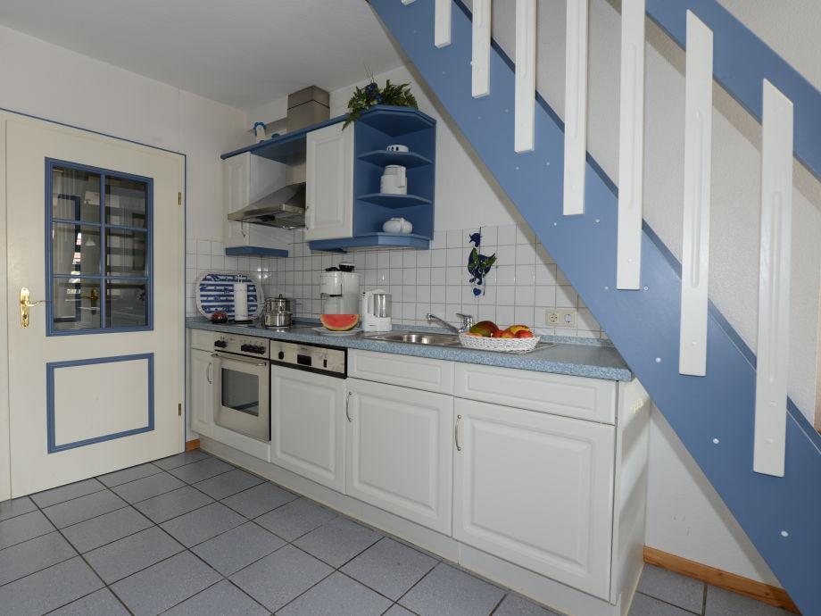 Die küche mit ceranfeld backofen spül u waschmaschine