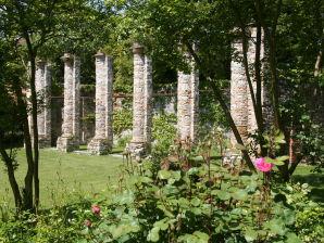 """Ferienhaus """"Rambaldo"""" mit Garten in der Burg"""