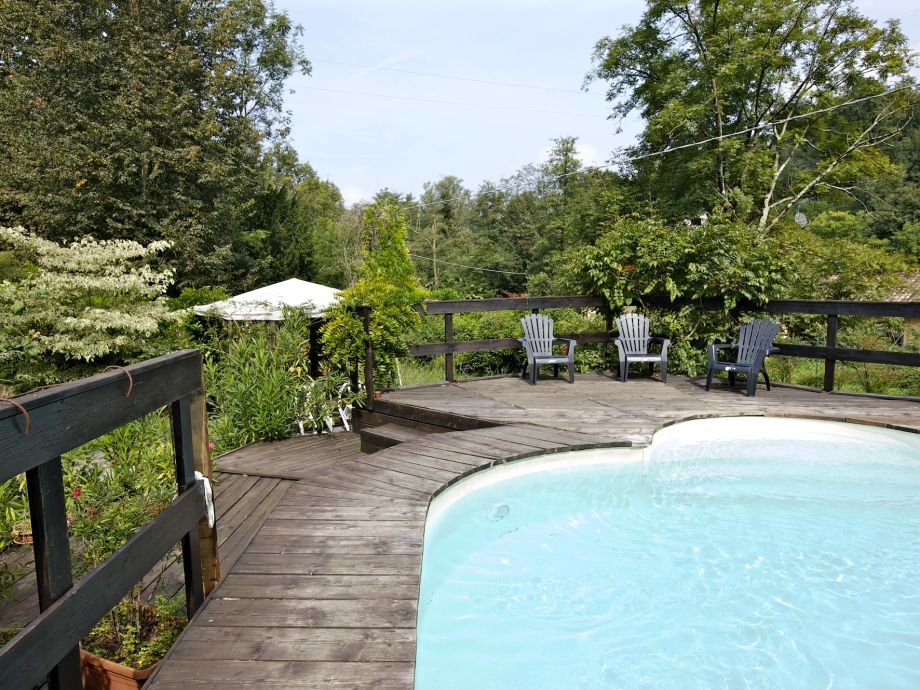 Pool (ca. 15 m x 6 m)