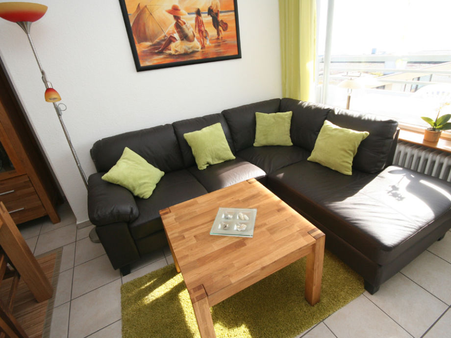 Renoviertes Wohnzimmer mit Seeblick