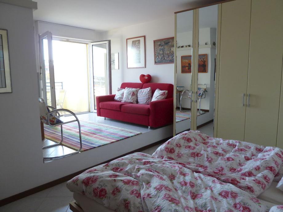 Oberes Schlaf-/Wohnzimmer