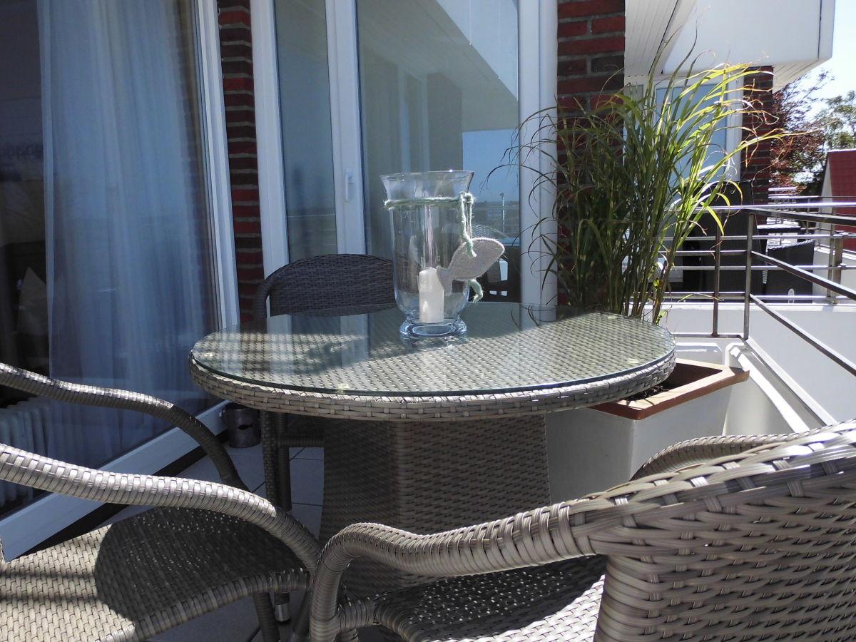ferienwohnung mit meerblick maritim hell und modern cuxhaven duhnen familie scheel. Black Bedroom Furniture Sets. Home Design Ideas
