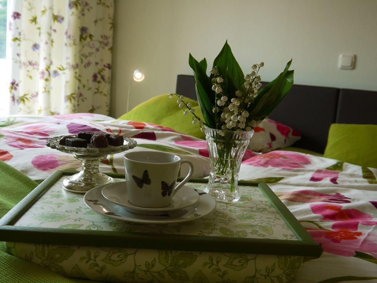 ferienwohnung bl tenrausch burg auf fehmarn firma ferienwohnungen maike und ralf micheel. Black Bedroom Furniture Sets. Home Design Ideas