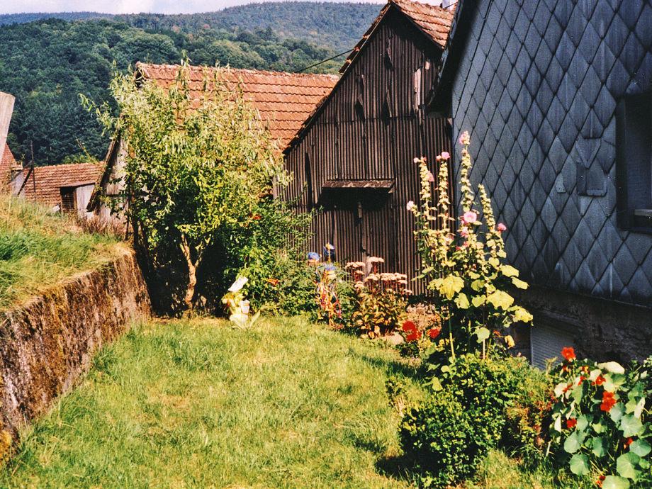 Idylle im Hausgarten