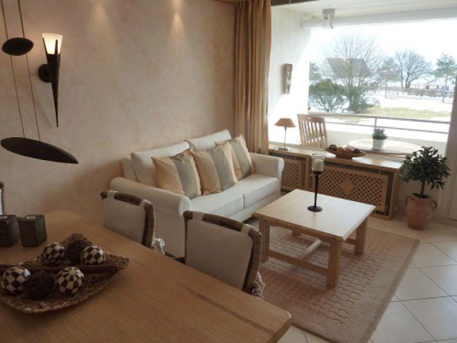 Liebevoll und sehr hochwertig eingerichteter Wohnraum.