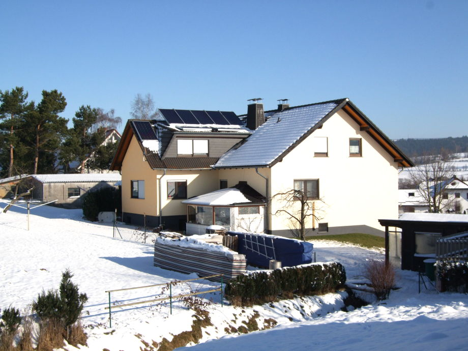 Hinterm Haus