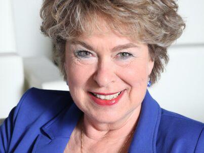 Ihr Gastgeber Violet Falkenburg