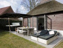 Holiday house Ferienhaus mit Sauna & Jacuzzi, Schoorl