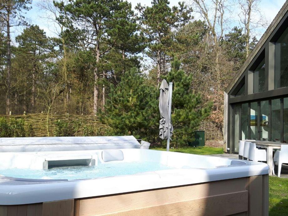 Außenaufnahme Luxuriöse Villa mit Sauna & Jacuzzi , Texel