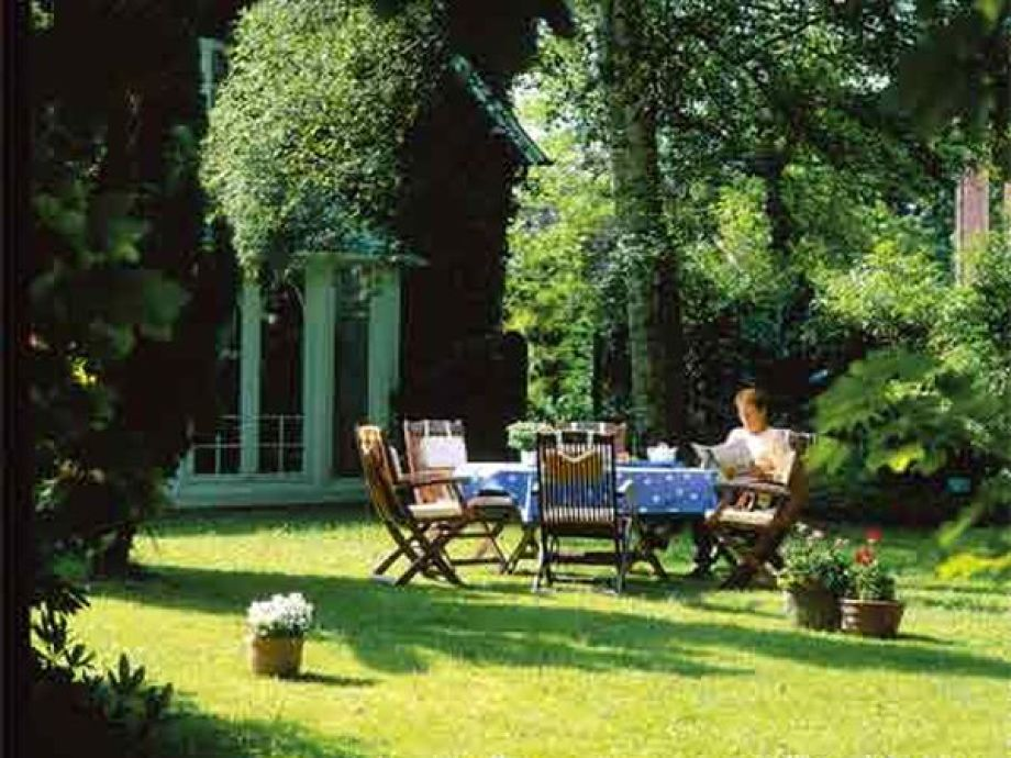 ferienwohnung 4 im landhaus gerdts cuxhaven nordsee niedersachsen frau fischer. Black Bedroom Furniture Sets. Home Design Ideas