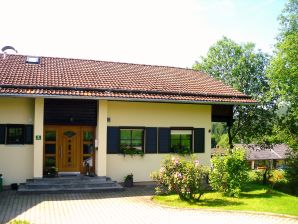Holiday apartment in a cottage near the national park