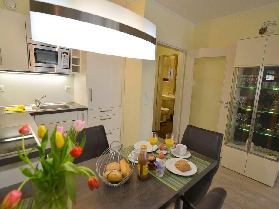 Küchenzeile Geschirrdpüler,Backofen und Mikrowelle