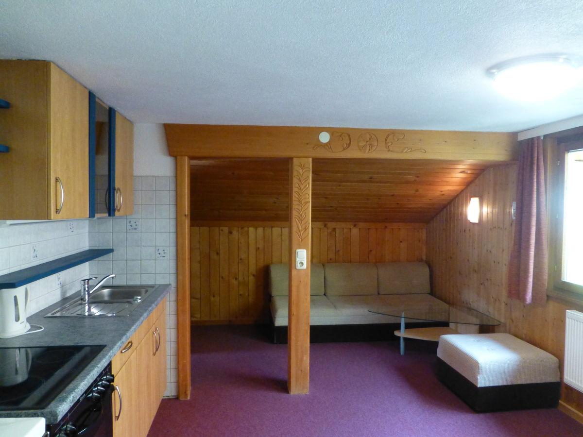 Kleine Wohnküche berghütte gästehaus schrunsblick österreich vorarlberg montafon firma gästehaus