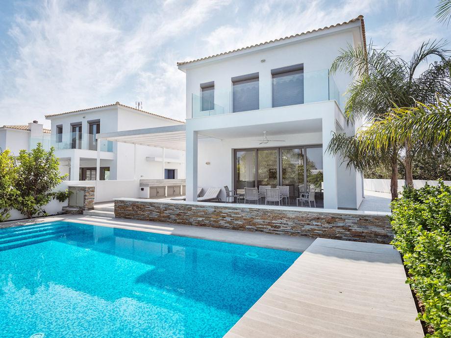 Außenaufnahme Villa am Meer, Governors Beach, Limassol