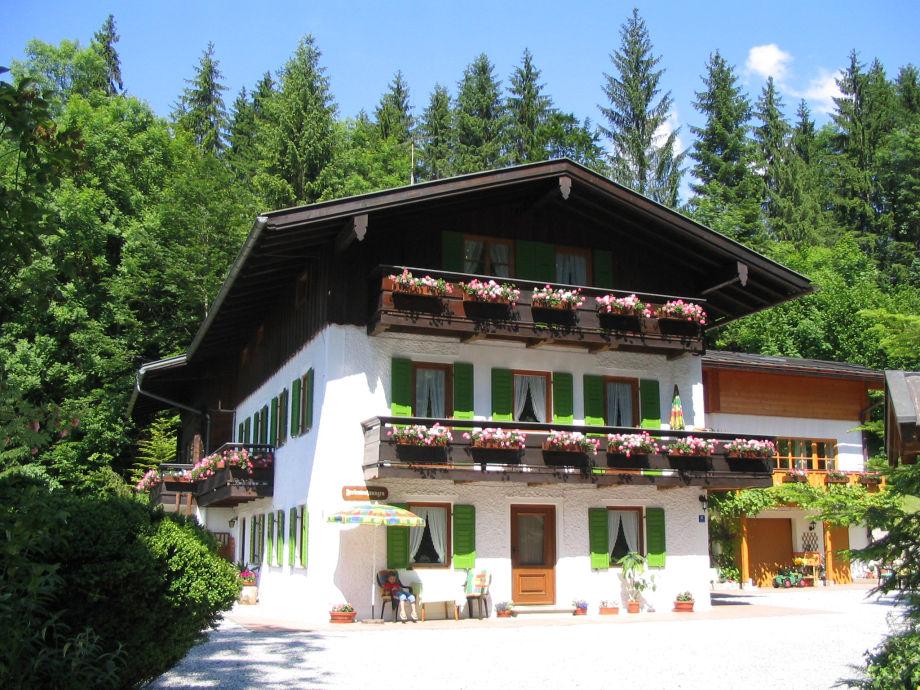 Haus Rosenbichl von der Hauseinfahrt aus