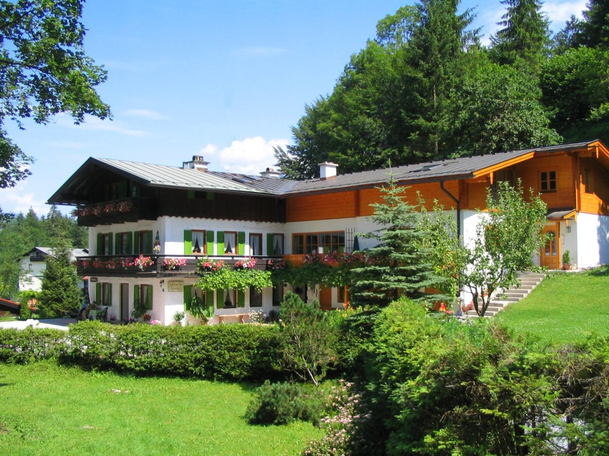 ferienwohnung west im haus rosenbichl berchtesgadener land herr josef brandner. Black Bedroom Furniture Sets. Home Design Ideas