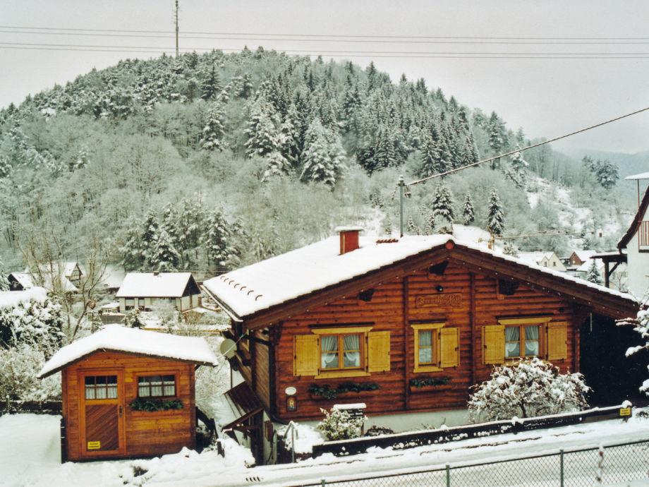 Ferienhaus im Südtiroler Landhausstil, im Winter