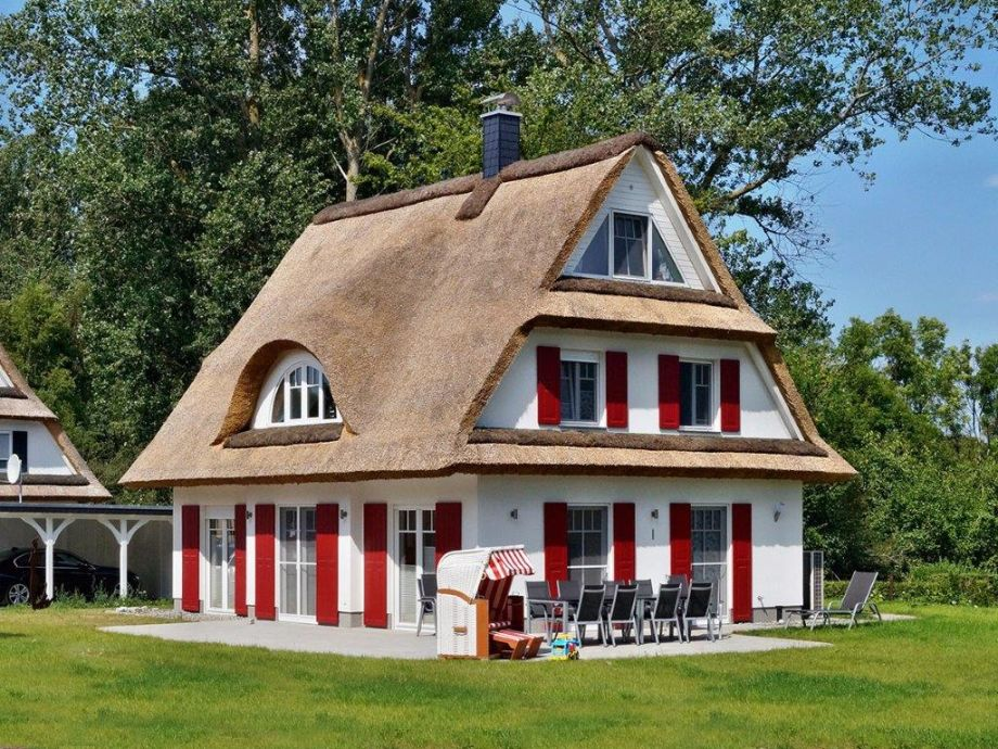 ferienhaus nixe espenweg 47 r gen glowe herr wolfgang scharfschwerdt. Black Bedroom Furniture Sets. Home Design Ideas