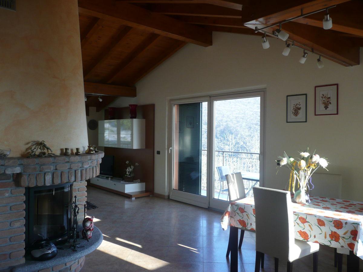 ferienwohnung villa ronc d 39 albert girasole lago maggiore. Black Bedroom Furniture Sets. Home Design Ideas