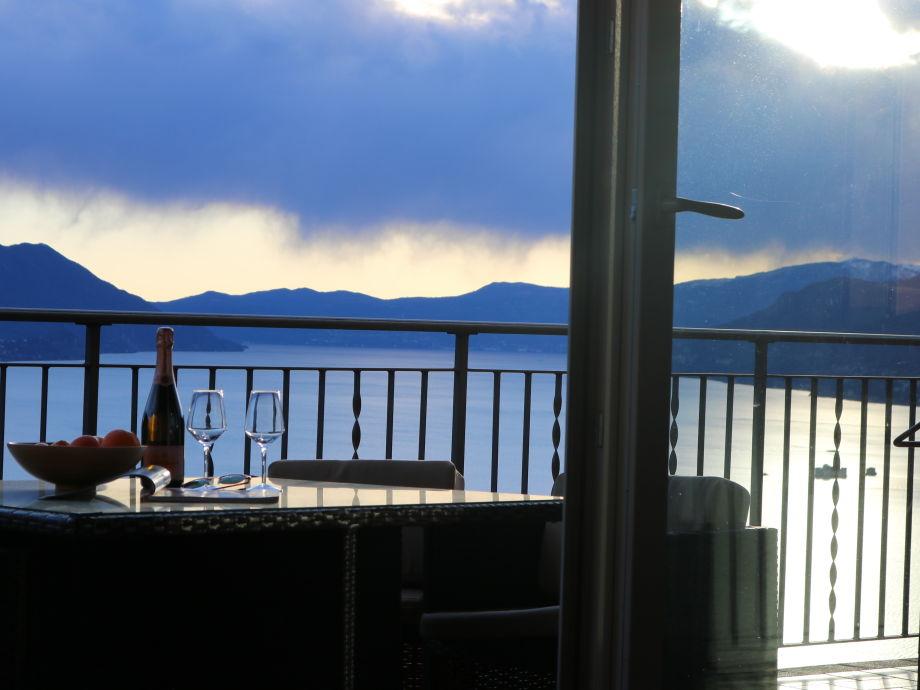 Balkon mit Lago Ausblick
