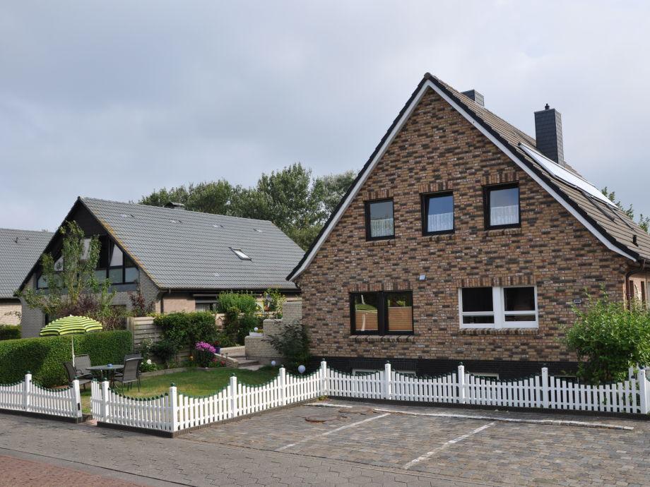 Haus Windhuk mit vorgelagertem Garten