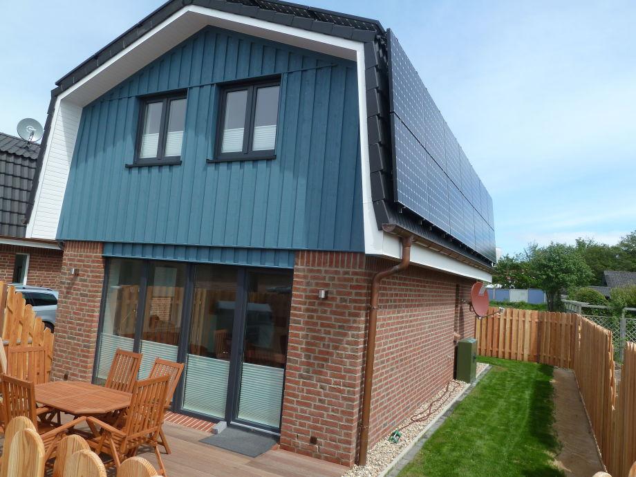 Haus Emil, Terrasse mit Sichtschutzzaun