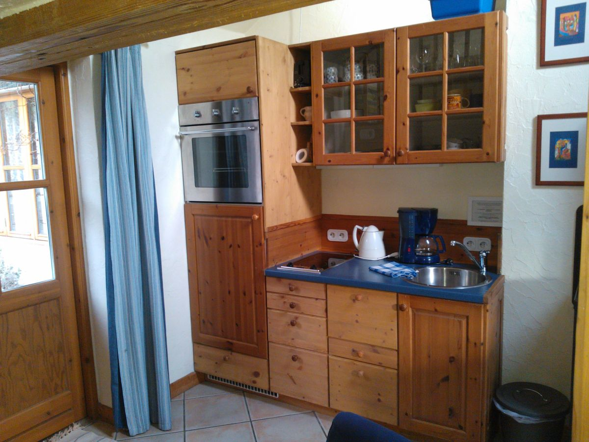 ferienwohnung kastanienhof alvern studio 2 celle familie krahnst ver. Black Bedroom Furniture Sets. Home Design Ideas