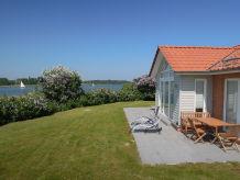 Ferienhaus Marina Hülsen - Das Badeuferhaus
