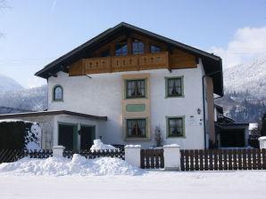 """Ferienwohnung """"Alpspitzblick"""" im Hause Kundler"""