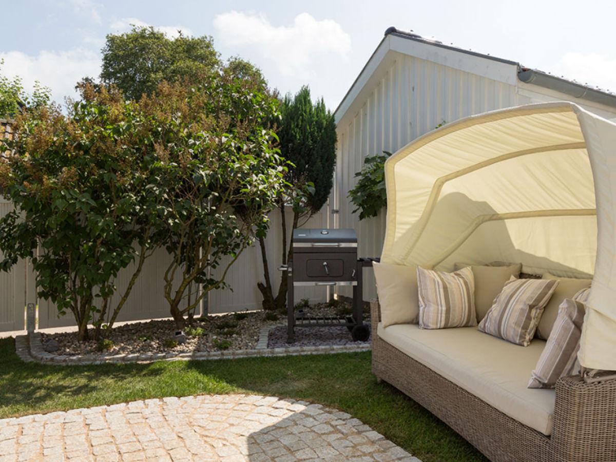 loungeinsel garten alles ber wohndesign und m belideen. Black Bedroom Furniture Sets. Home Design Ideas