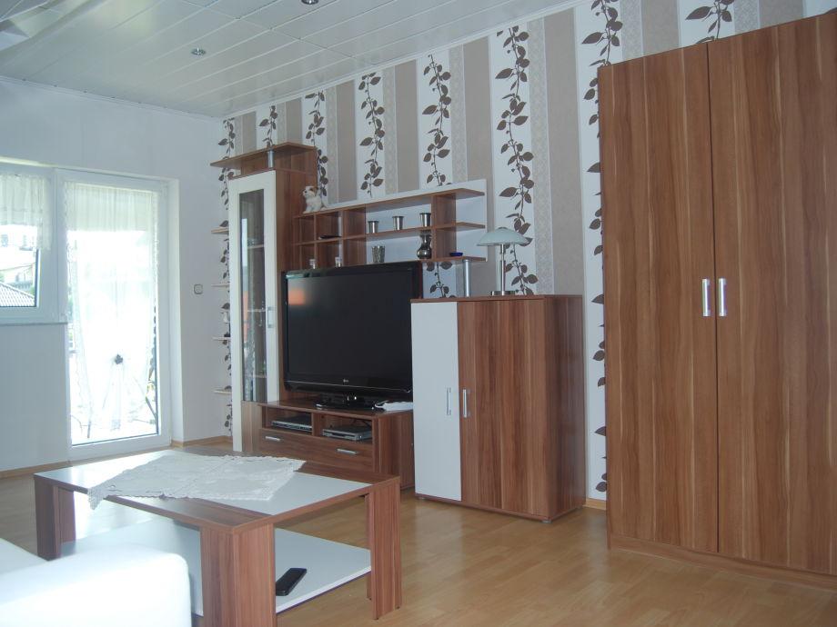 Wohnwand mit LED TV Sat und DVD