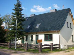 """Ferienwohnung """"Altes Forsthaus"""" in Federow - Das Tor zum Müritz-Nationalpark"""