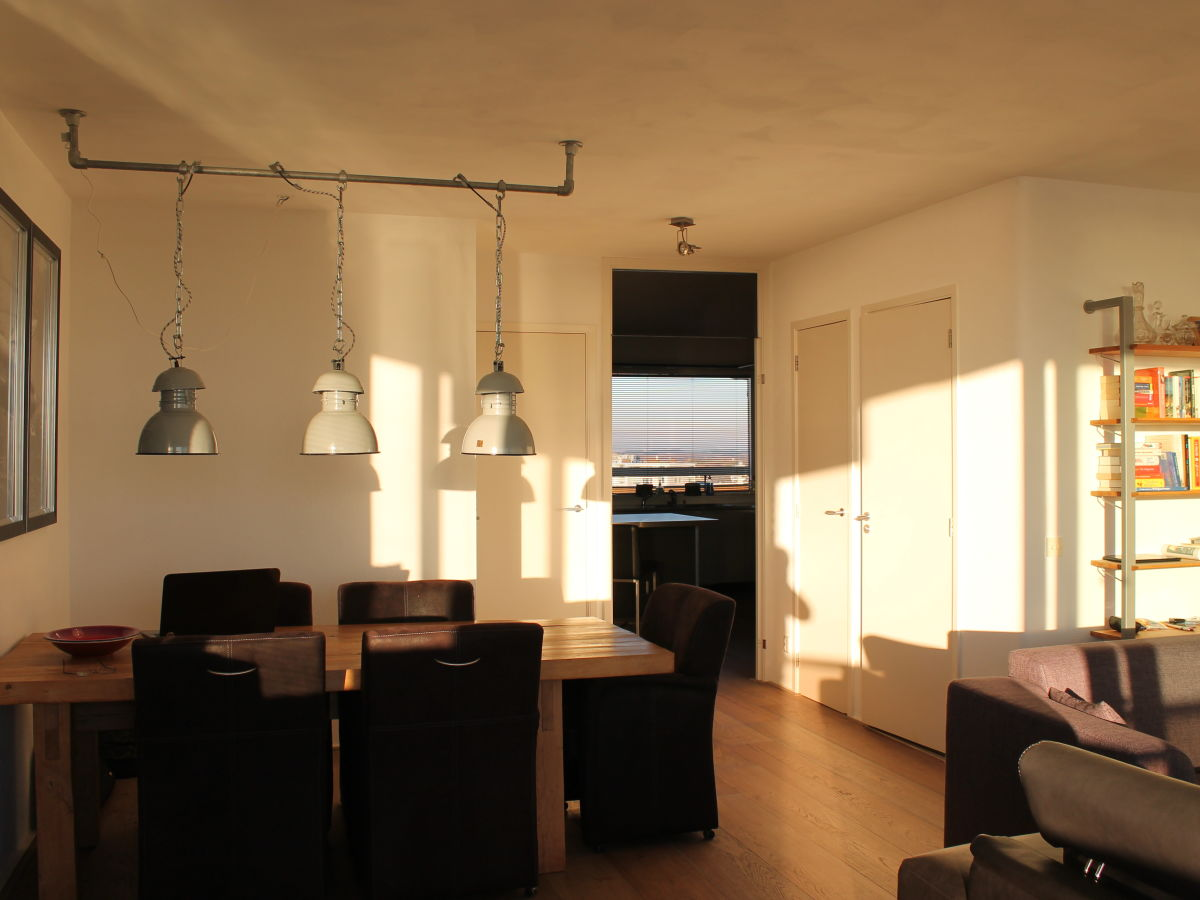 eingerichtete Wohnzimmer Smart TV audio und Kamin ( Elektrisch ...