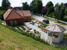 """Ferienhaus """"Uroma Jaaptje"""" im Deichhaus am Greetsieler Hafen"""