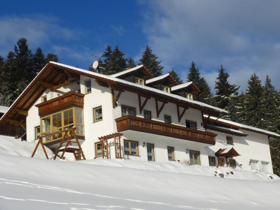 Große Schlittenwiese vorm Haus