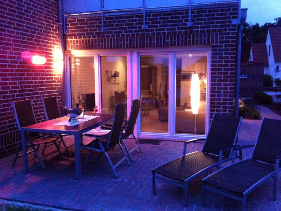 Terrasse am Abend mit Infrarotheizstrahler
