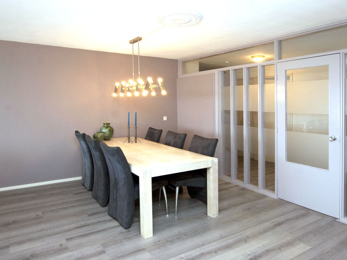 Apartment paradizee nord holland egmond aan zee firma for Esstisch wohnzimmer