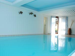 Ferienwohnung XL large mit Indoorpool und Sauna