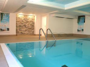 Holiday apartment XL large mit Indoorpool und Sauna