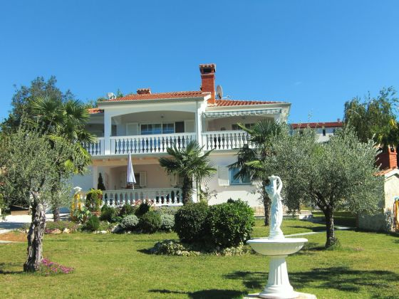 ferienwohnung villa mediterran kroatien istrien porec familie g nter uschi jauer. Black Bedroom Furniture Sets. Home Design Ideas