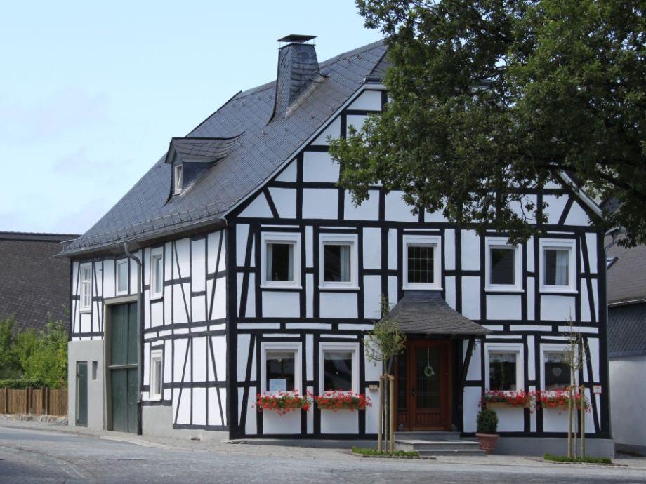 """Ferienhaus """"Am Markt"""" Eversberg"""