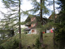 Holiday apartment on the edge of the woods, Chalet Tilly
