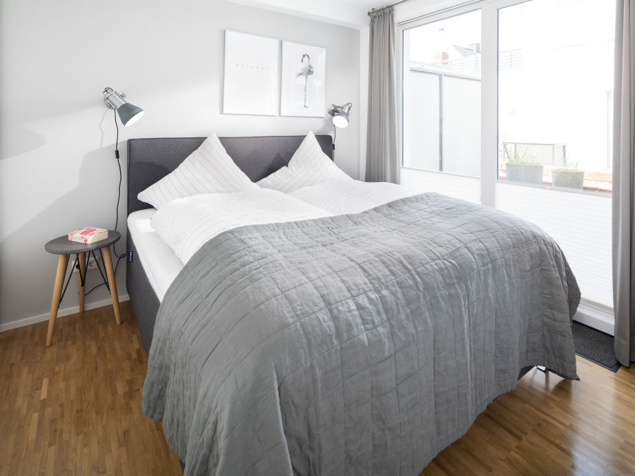 Schlafzimmer mit Bruno Boxspringbett 1,80x2,00m